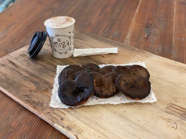 Bandeja de palmeritas de chocolate Miga Bakery