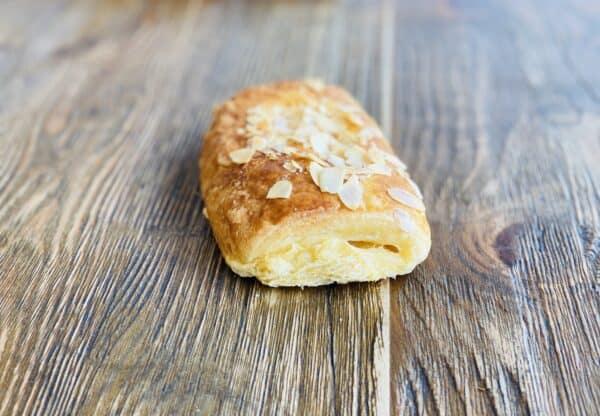 Napolitana de Crema Miga Bakery